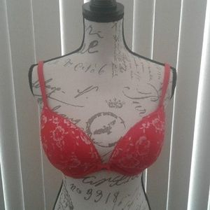 Body by Victoria Underwire Push-up Bra Size 34DD
